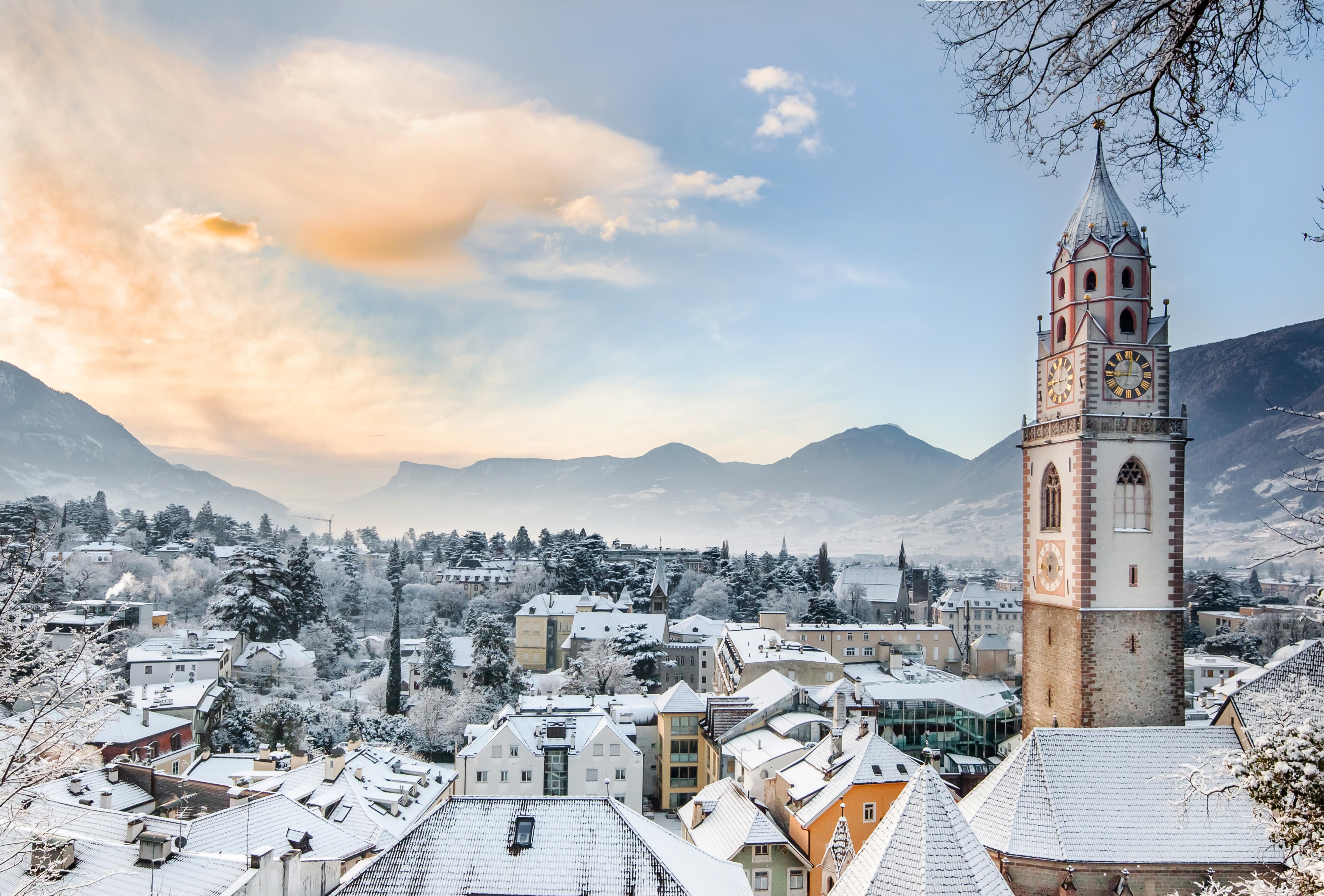 Merano, importante centro urbano e alpino dell'Alto Adige ...